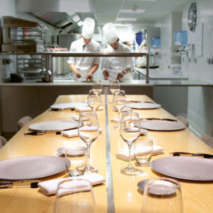 table-hotes-etoile-michelin-quatrieme-mur-bordeaux-philippe-etchebest