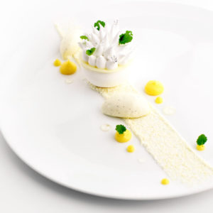dessert-table-hotes-restaurant-quatrieme-mur-etoile-michelin-philippe-etchebest
