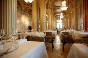 le-quatrieme-mur-bordeaux-salle-table-repas